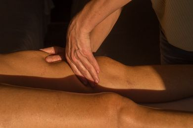 Soothing or toning massage